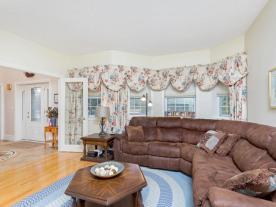 875003 5 Line E Orangeville ON-MLS_Size-010-30-Living Room-640x480-72dpi